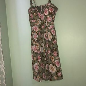Flower dress with pockets!